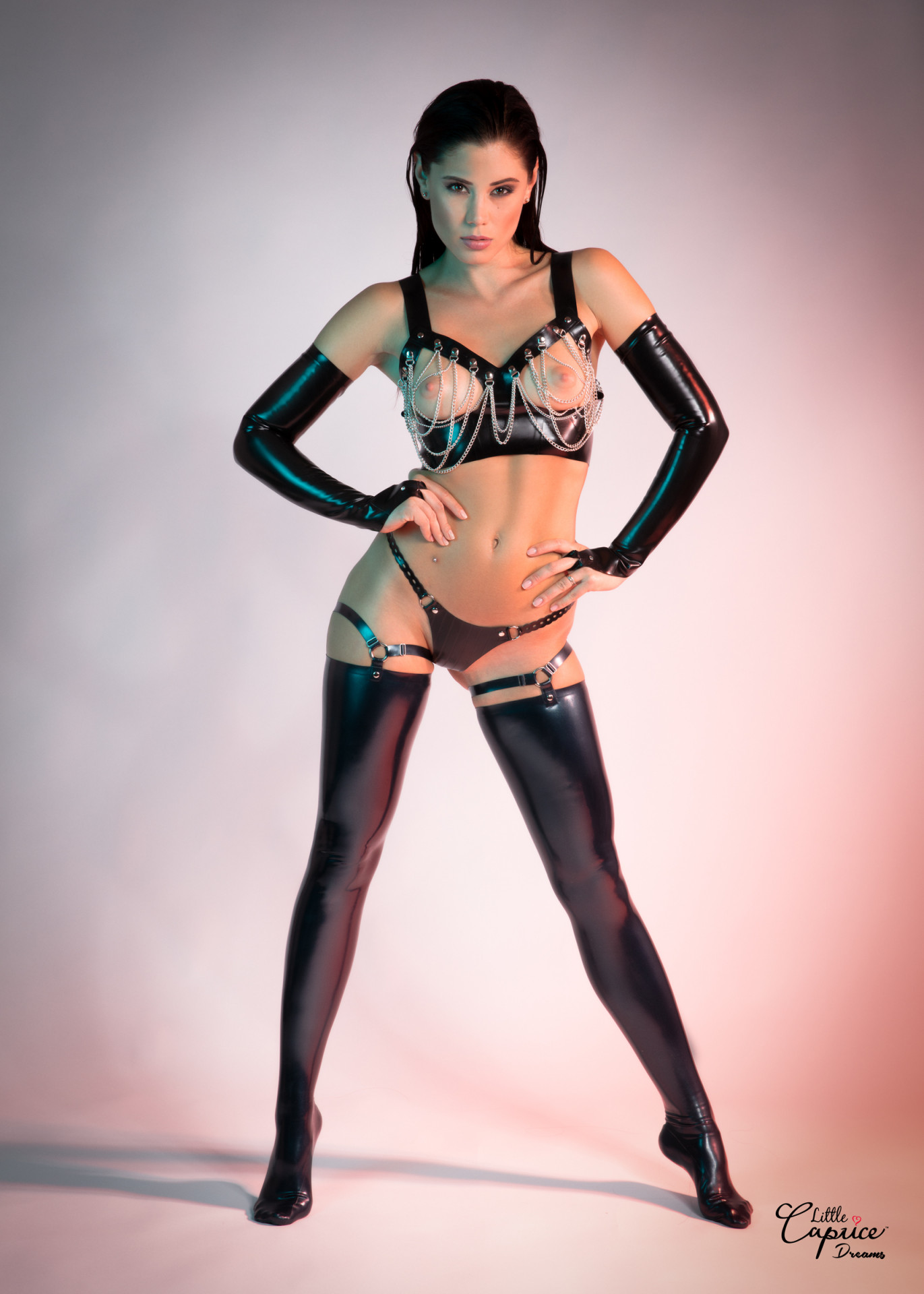Question Full body latex nude models