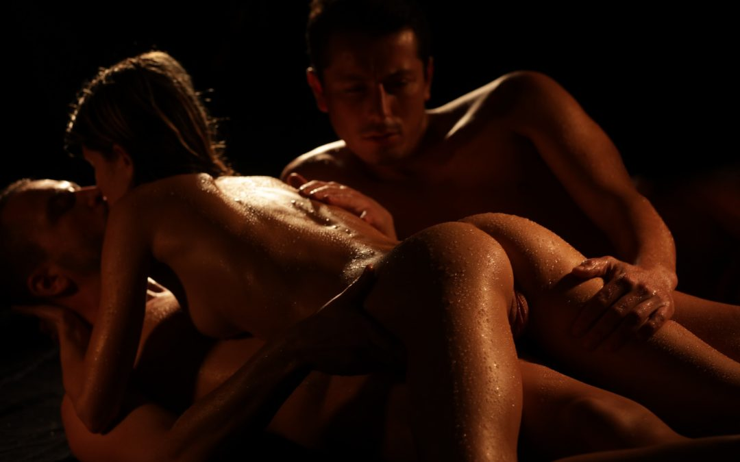 The Art of threesome dreams – lowlight