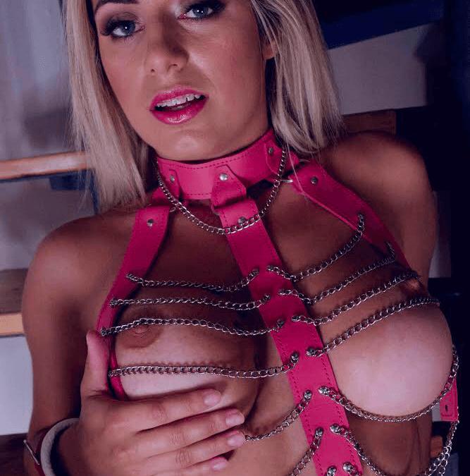Xpervo – Mia Linz